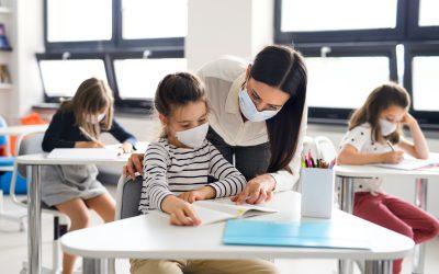 La ripartenza a scuola: bambini e bambine, ragazzi e ragazze tra procedure protettive e bisogno di spontaneità